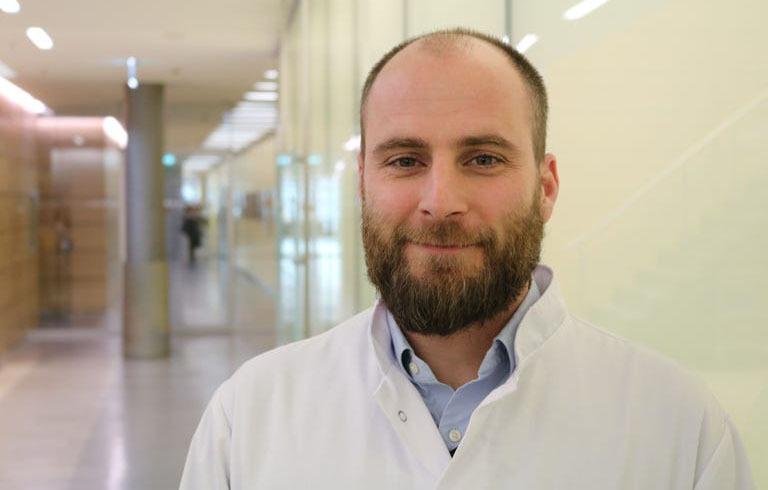 Dr-med-Moritz-Perrech